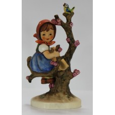 Vintage Goebel M.J. Hummel  Figurine Apple Tree Girl #141